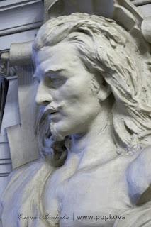 Особняк Кельха. Скульптурное украшение главной лестницы