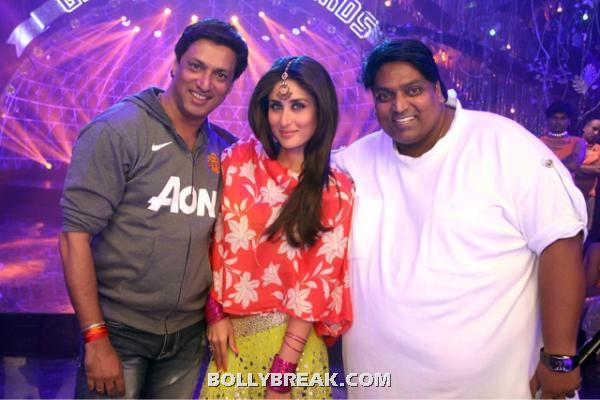 Kareena kapoor in an orange colorful dupatta fromnew movie heroine -  Kareena on heroine set