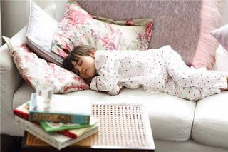 فوائد النوم على الجنب الأيمن