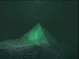 Πυραμίδες βυθισμένες στο Τρίγωνο των Βερμούδων