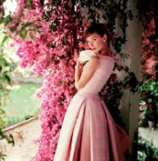 Audrey Hepburn: Portraits of an Icon - Classic & Rarely Seen Photographs