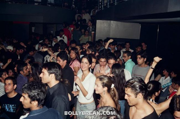 Katrina Kaif Private Party Pic - (6) - Katrina Kaif Unseen Private Party Pics from 2004