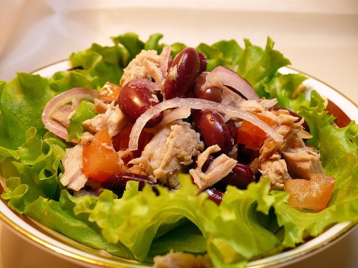 Салат с тунцом консервированным и пекинской капустой рецепт