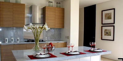 Red Accents For Warm Kitchen