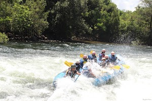 Rafting splashed on water