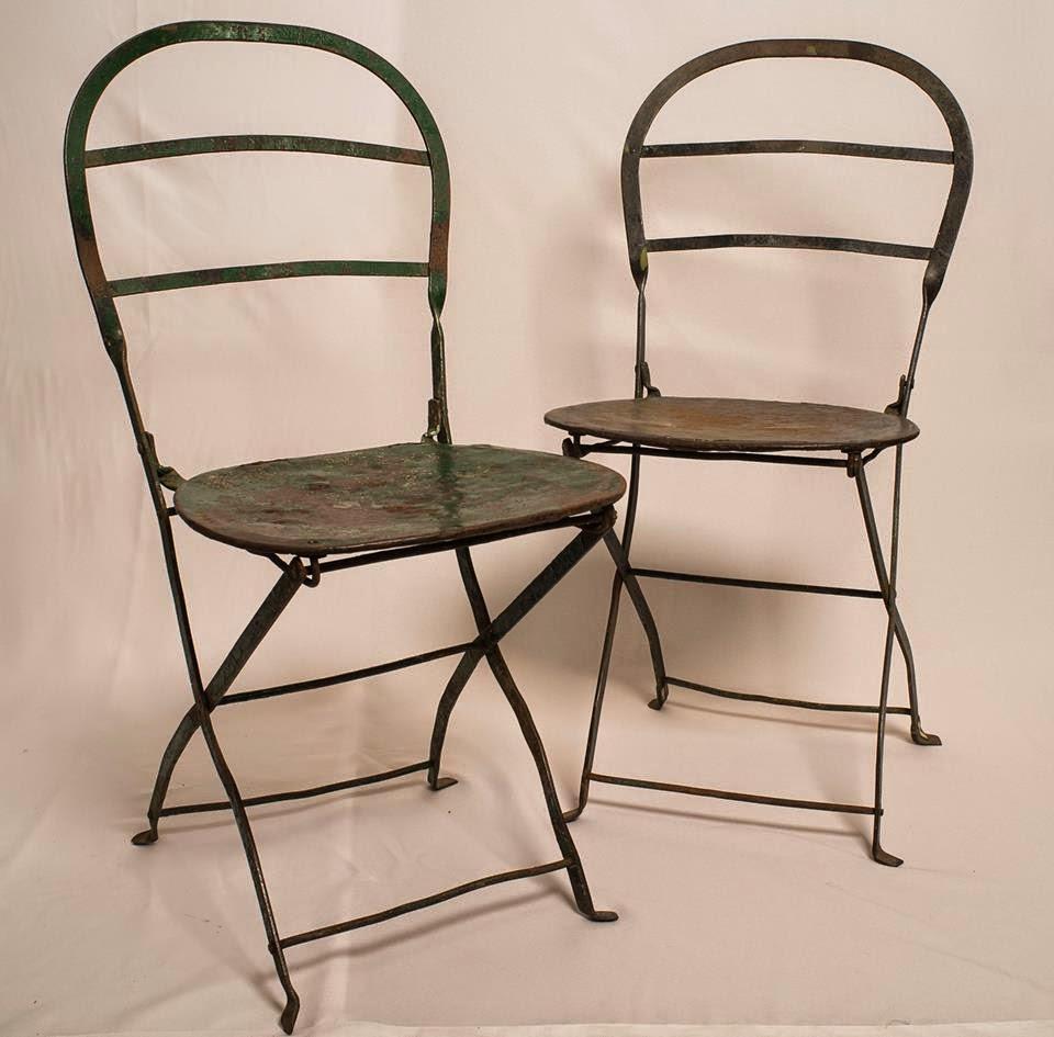 El motivo antig edades antiguas sillas quilmes for Muebles y sillones quilmes