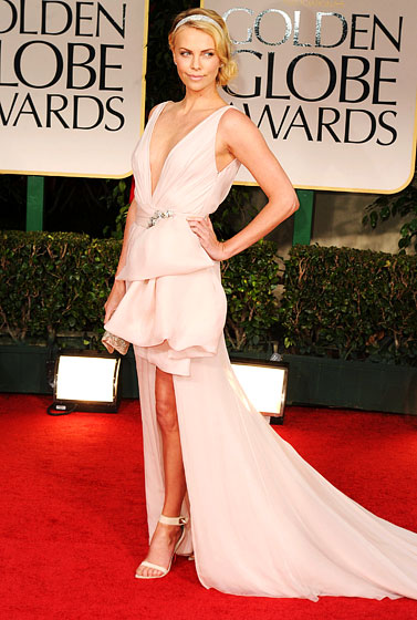 Charlize+Theron+pale+pink+Dior+Couture+gown+Cartier+jewels