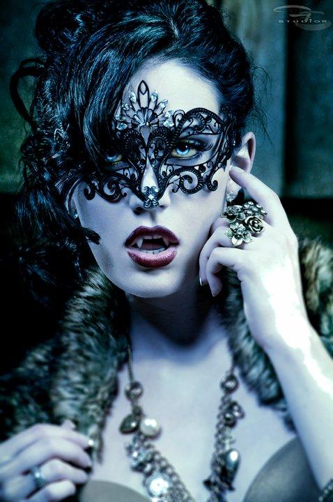 http://3.bp.blogspot.com/-s3zBq9MBtUU/TYH-yIYzOxI/AAAAAAAAFfs/DM4iF82cyS0/s1600/imagenes_de_vampiresas_04.jpg