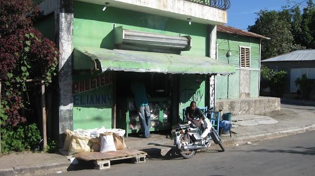 Alta facturación eléctrica y delincuencia tienen en jaque comercio