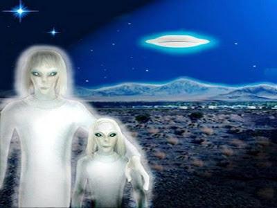 Alienígenas Blancos Altos
