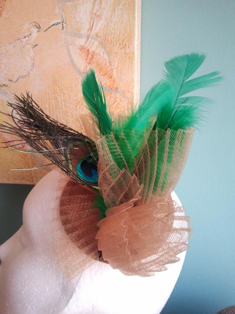 tocado, dorados, verdes, baratos, económicos, plumas, crin, sinamae, bodas