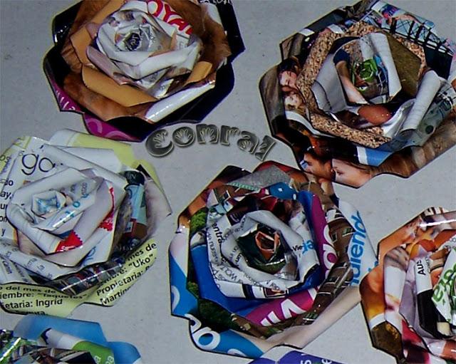 sueños_que_despiertan: Flores hechas con papel de revista