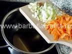 Ciorba de linte preparare reteta - calim usturoi, ceapa, morcov