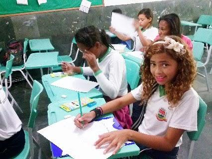 """Durante a visita do projeto, os alunos já tiveram um """"gostinho"""" do que vai ser estudar na escola nova"""