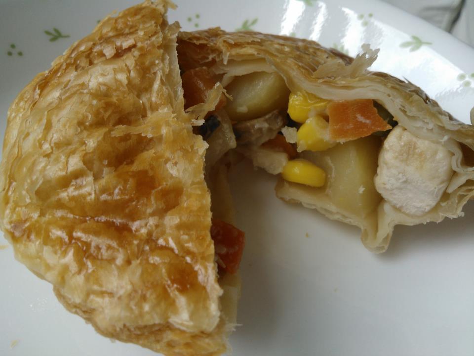 Culinary Kitchenette: Baked Chicken Pie by Sharron Wee