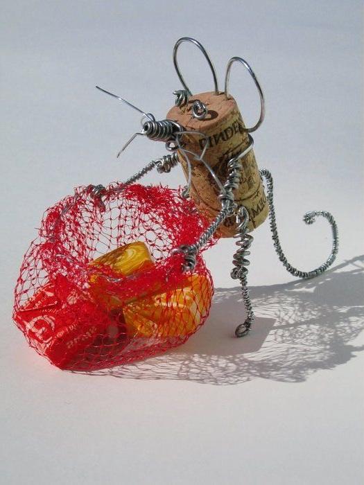 жук из проволки