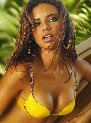Fashion Model Adriana Lima8