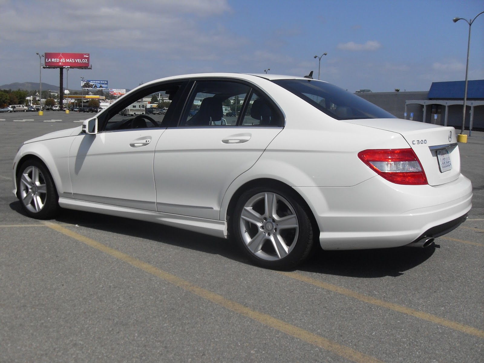 2010 mercedes benz c300 white t tak auto service for Mercedes benz schedule c service