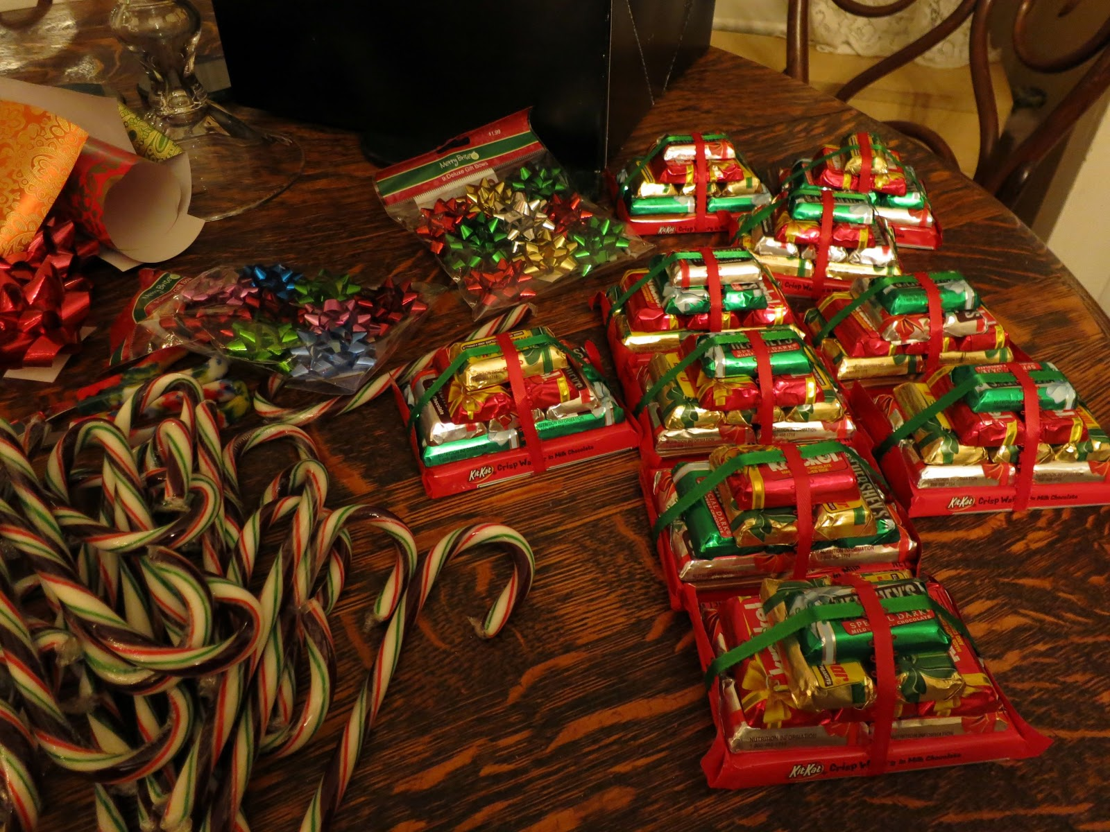 So THAT'S where all the good-looking candy canes went....