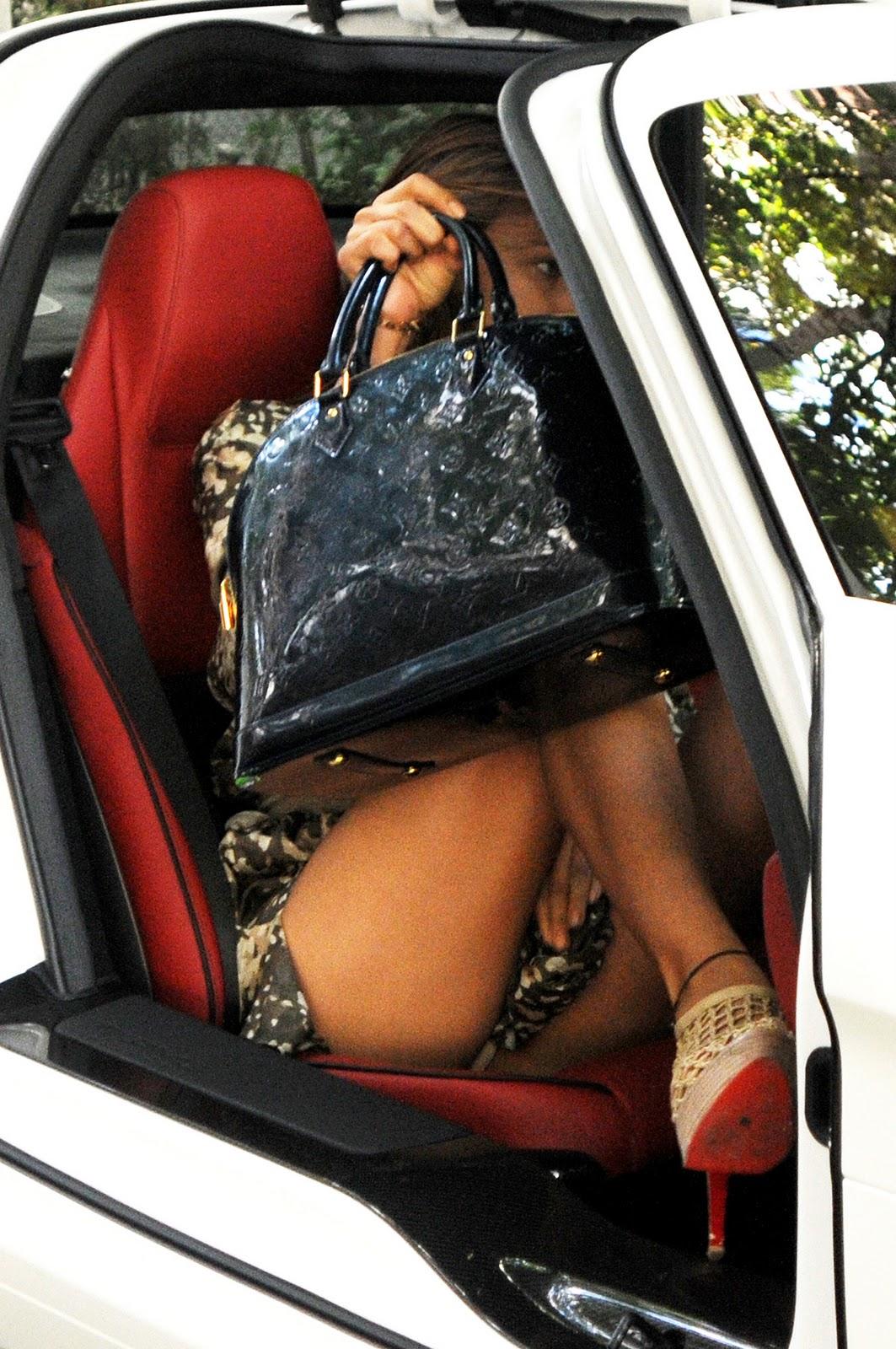 http://3.bp.blogspot.com/-s58Rv308GpY/TZy406Rz1fI/AAAAAAAAQE4/jvORjJAXm18/s1600/6317_irina-shayk-car-upskirt-01.jpg