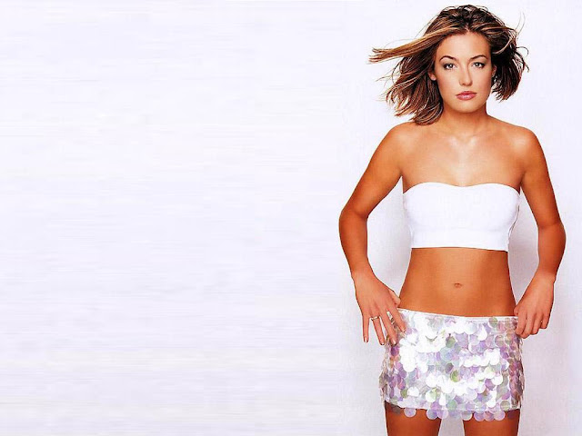 Hot Pictures of Cat Deeley