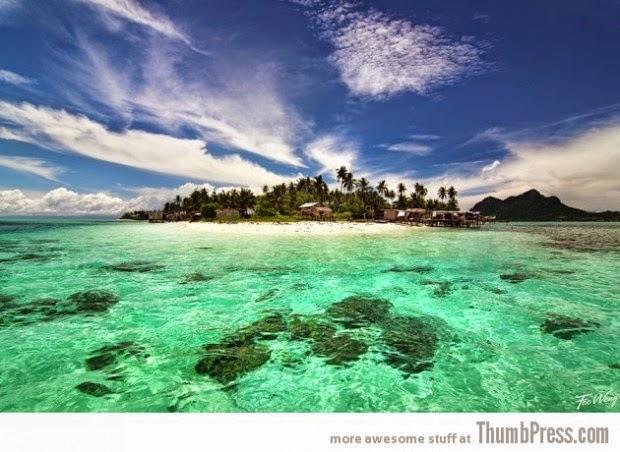 Maiga Island at Semporna Sea, Sabah picture