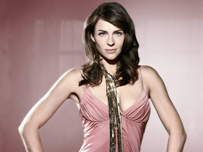 Elizabeth Hurley Hollywood Actress and Model Wallpaper