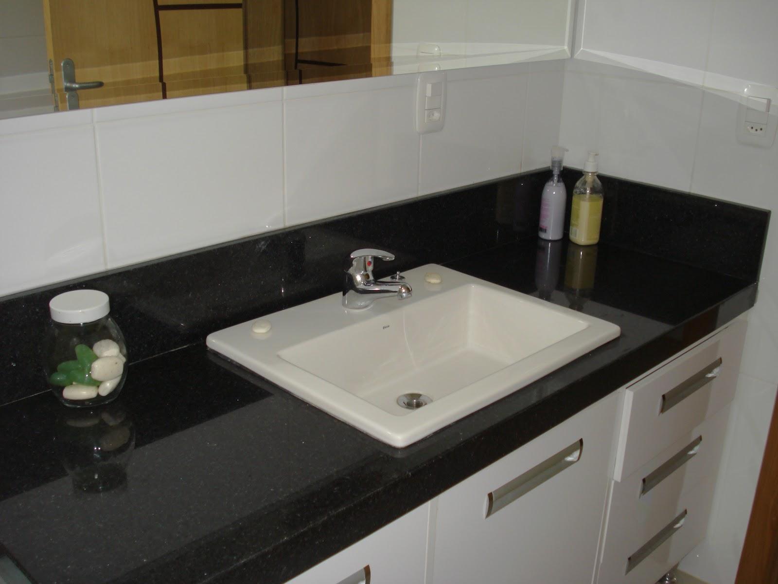Bancada em Preto São Gabriel com cuba sobreposta Marmoraria MPK #644E28 1600x1200 Bancada Banheiro Granito Preto São Gabriel
