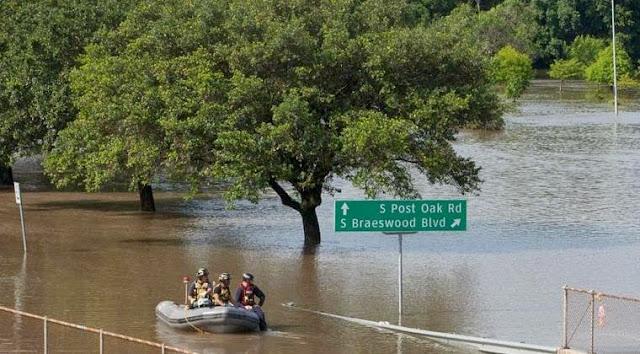Badai dan Banjir Hantam Texas