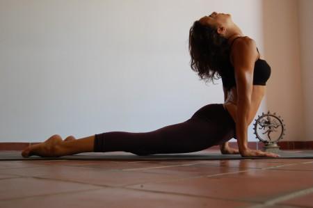 adhara yoga: Diccionario de Asanas, letra U