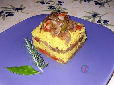 Timbal de arroz y verduras.
