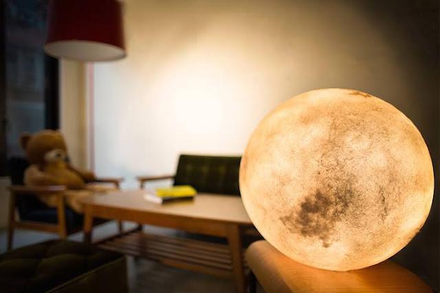 okrągła lampa księżyc luna