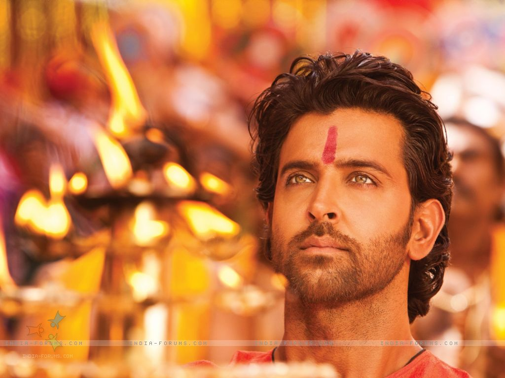 http://3.bp.blogspot.com/-s6Gs312swhk/TyWQNHpaNOI/AAAAAAAAErE/kvCjwoJ2O8o/s1600/156713-hrithik-roshan-in-the-movie-agneepath-2012-.jpg