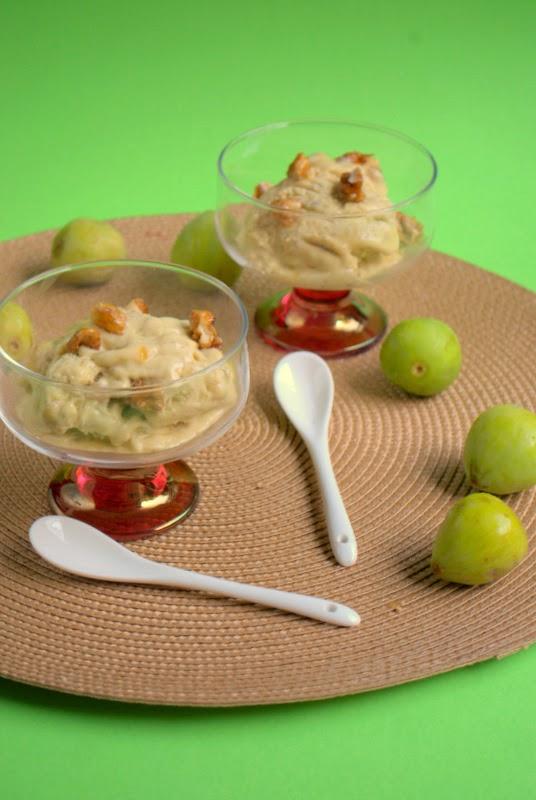 gelato ai fichi, miele e noci caramellate senza gelatiera