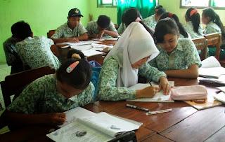 Latihan Soal UAS IPA Biologi SMP Kelas IX Semester Ganjil 2013-2014