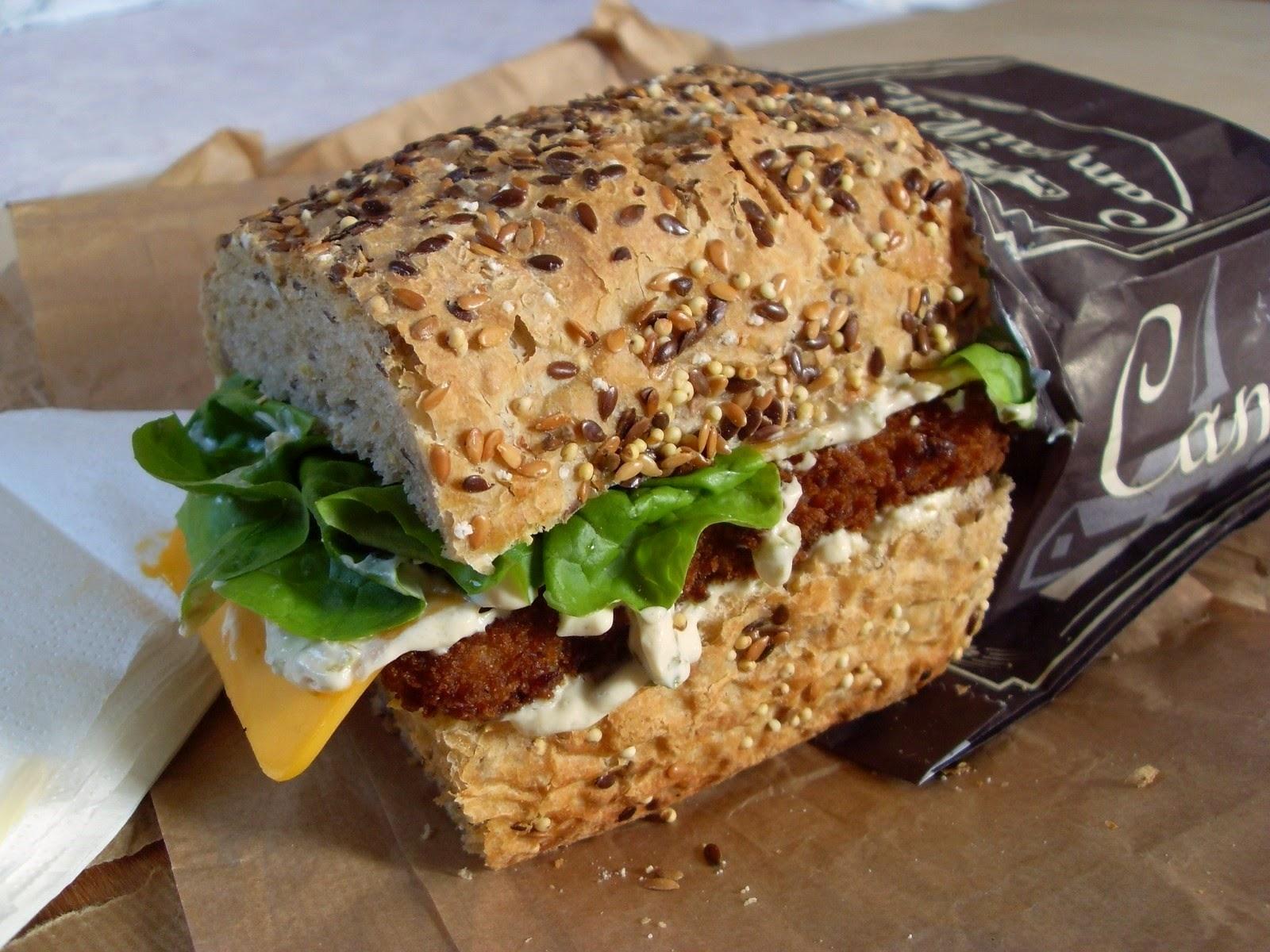 ma cuisine v g talienne sandwich aux b tonnets de poisson pan et la sauce tartare vegan. Black Bedroom Furniture Sets. Home Design Ideas