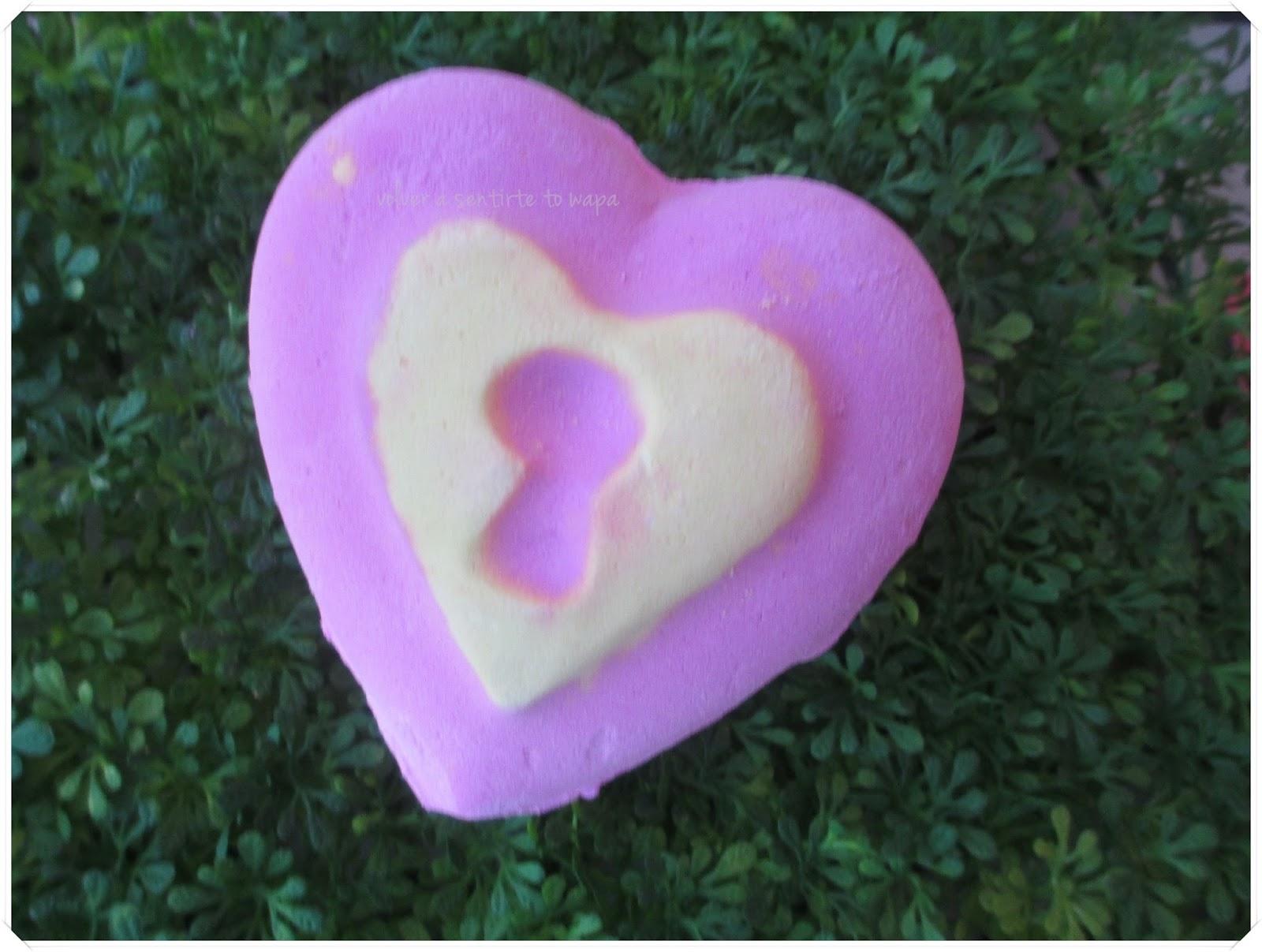 LOTS OF LOVE de LUSH - Bomba de Baño Love Locket