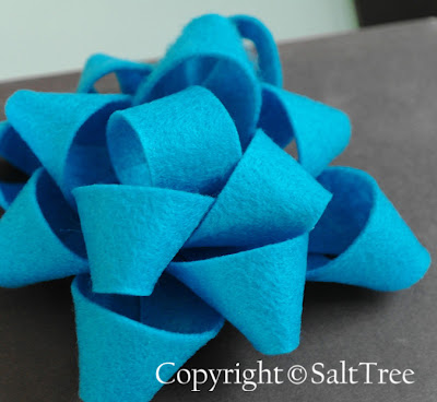 felt gift bow
