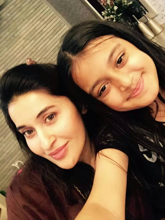 Shahista Lodhi with her daughter