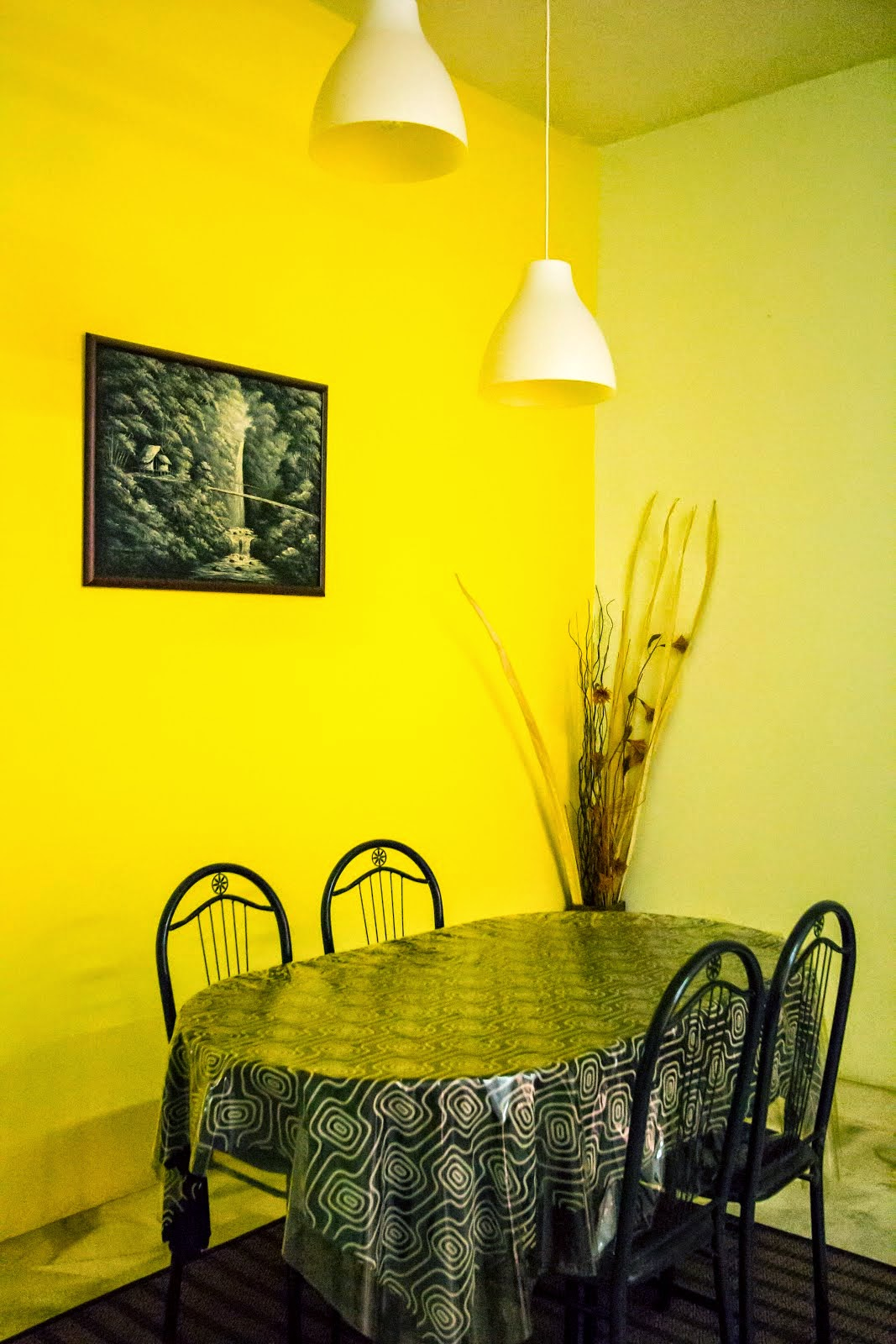 Ruang Makan HBW1