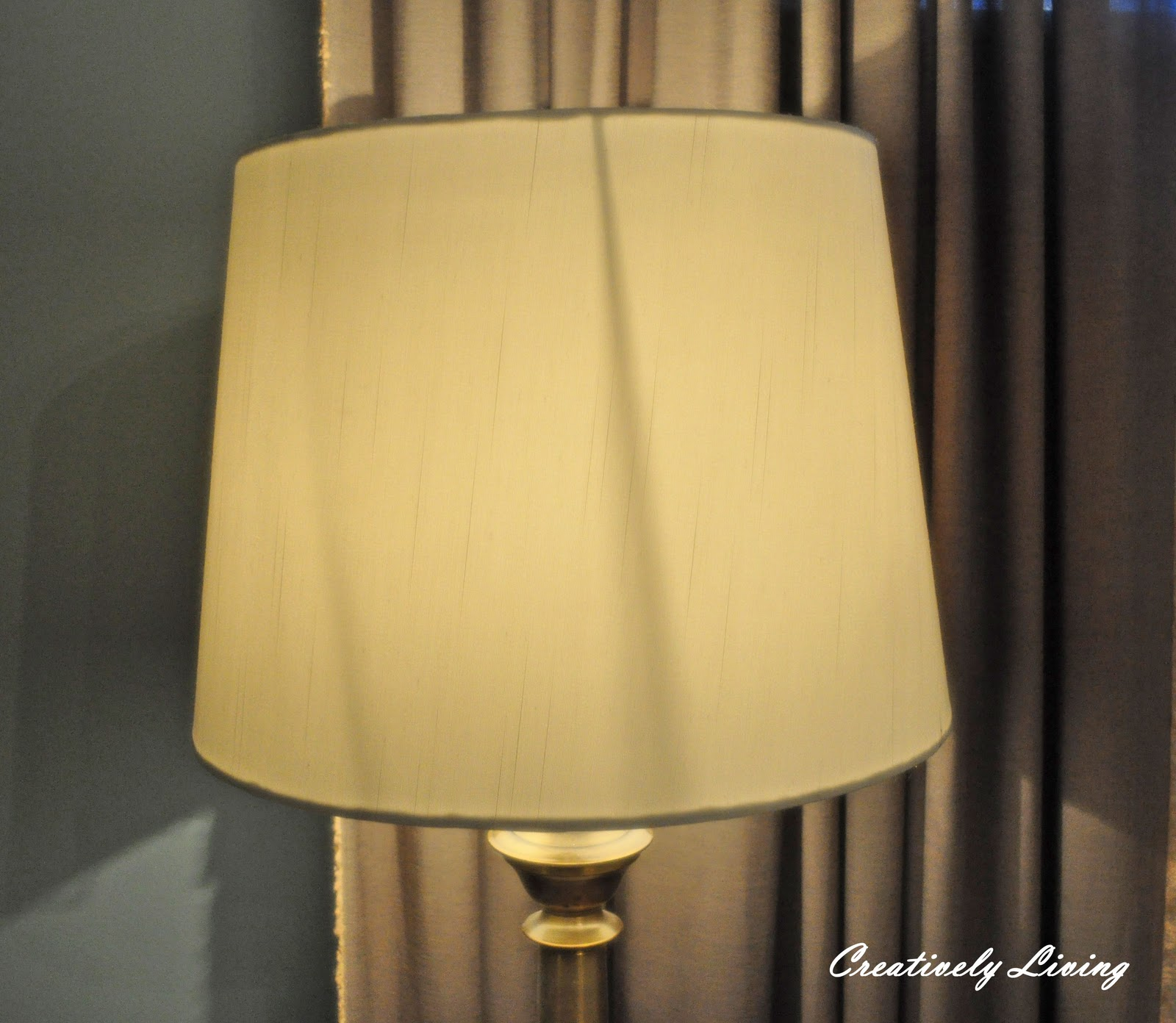 Diy ruffled lampshade creatively living blog - Diy lamp shade ...