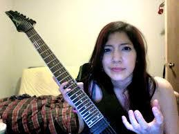 Annie Gitaris Rock Death Metal Tercantik