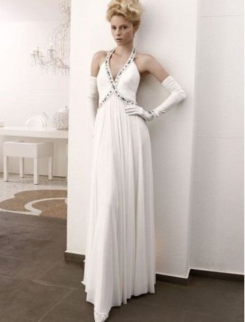 Halter wedding dresses for large chest and broad shoulders for Wedding dresses for big chest