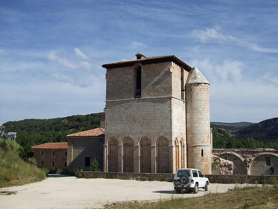 imagen_sierra_demanda_burgos_san_pedro_arlanza_monasterio_ruina_romanico_torre