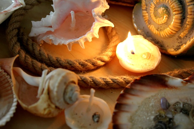 How to make a candle in a sea shell
