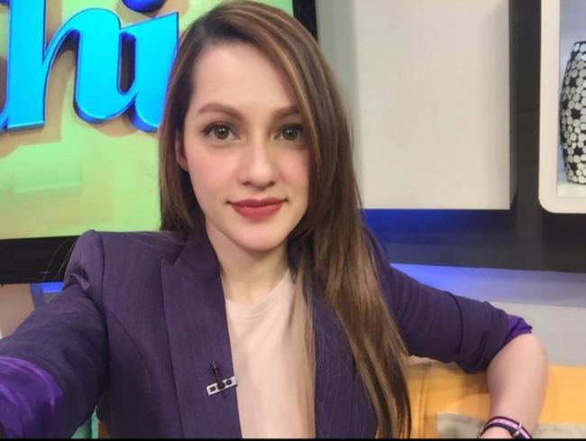 Siapa Sangka Pengacara TV3 Ini Adalah Anak Kak Ton 3 Gambar