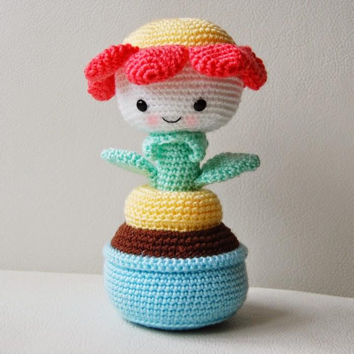 http://www.pepika.com/pattern-amigurumi-flower.html