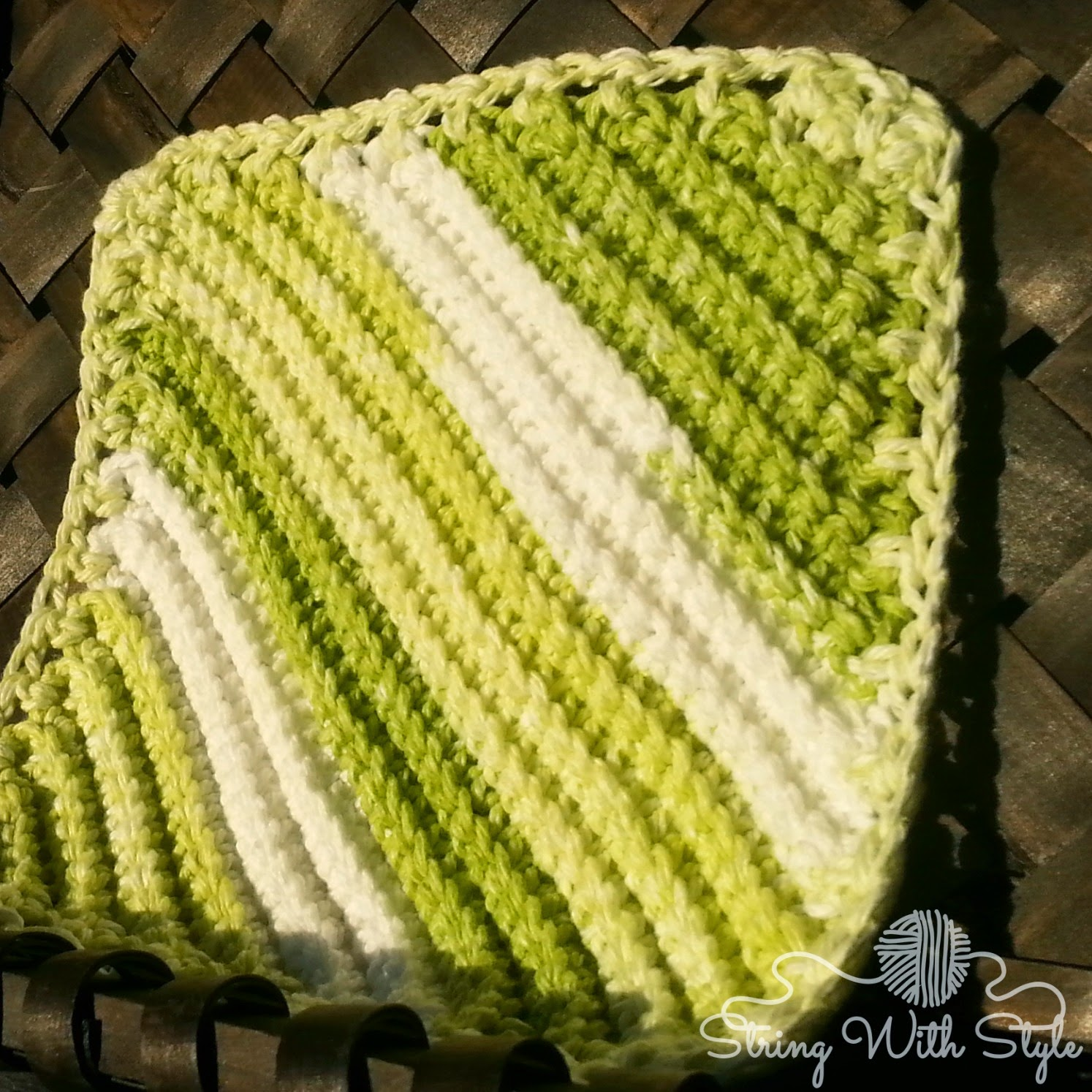 String With Style: Knit Me Knot Dishcloth