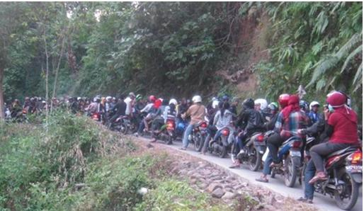 Ribuan Orang Tumplek Di Cigeuntis Harian Umum Radar Karawang