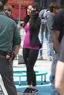 Megan Fox talking to the crew of TMNT